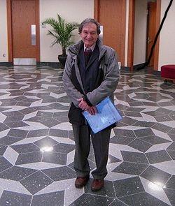 Sir Roger on Penrose tiling